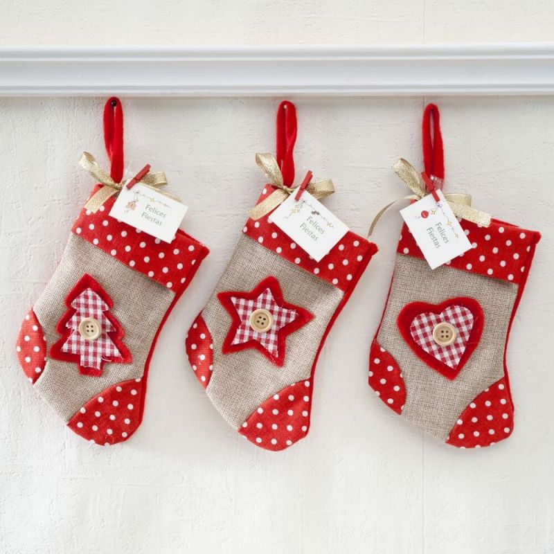 calcetin-corazonarbolestrella-con-bombones-y-tarjeta-patch